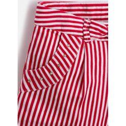 Mayoral - Szorty dziecięce 98-134 cm. Różowe spodenki dziewczęce Mayoral, z bawełny, casualowe. Za 109,90 zł.