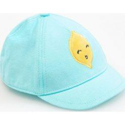 Czapka z daszkiem - Zielony. Szare czapki damskie marki TXM, z aplikacjami, z bawełny. W wyprzedaży za 14,99 zł.