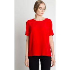 Elegancka czerwona bluzka z krótkim rękawem BIALCON. Czerwone bluzki nietoperze marki BIALCON, na co dzień, oversize. Za 155,00 zł.
