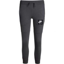 Nike Performance AIR PANT  Spodnie treningowe dark grey/black. Szare spodnie chłopięce marki Nike Performance, z bawełny. W wyprzedaży za 146,30 zł.