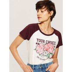 T-shirt z nadrukiem - Bordowy. Czerwone t-shirty damskie House, l, z nadrukiem. Za 29,99 zł.