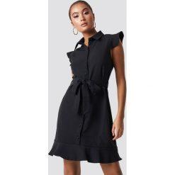 Trendyol Sukienka z detalami Tofa - Black. Szare sukienki na komunię marki Trendyol, na co dzień, z elastanu, casualowe, midi, dopasowane. Za 121,95 zł.