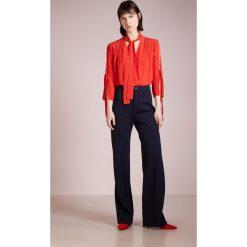 MAX&Co. PAPRICA Bluzka red. Czerwone bluzki damskie MAX&Co., z materiału. W wyprzedaży za 404,50 zł.