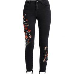 New Look EMBROIDERED DISCO ZOEY COSTA RICA Jeans Skinny Fit black. Czarne jeansy damskie marki New Look, z materiału, na obcasie. Za 189,00 zł.