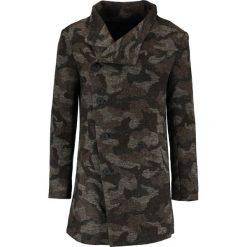 Religion NOIREX CAMO Krótki płaszcz camo. Zielone płaszcze wełniane męskie marki Religion, m. W wyprzedaży za 435,60 zł.