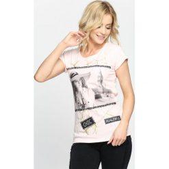 Różowy T-shirt Miss You Love You. Czerwone bluzki damskie marki Born2be, l. Za 14,99 zł.