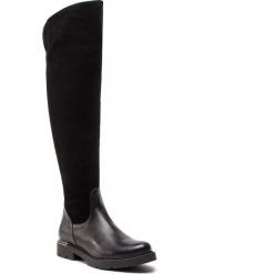 Muszkieterki KARINO - 2668/126-F Czarny. Czarne buty zimowe damskie marki Kazar, ze skóry, na wysokim obcasie. W wyprzedaży za 329,00 zł.