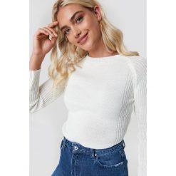 Trendyol Sweter Milla - White. Białe swetry oversize damskie Trendyol, z dzianiny. Za 80,95 zł.