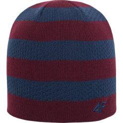 Czapka męska CAM204Z - bordowy - 4F. Czerwone czapki zimowe męskie 4f, na jesień, z materiału. Za 22,99 zł.