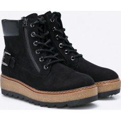 Tamaris - Botki. Czarne buty zimowe damskie marki Kazar, ze skóry, na wysokim obcasie, na obcasie. W wyprzedaży za 159,90 zł.