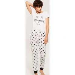 Dwuczęściowa piżama - Wielobarwn. Czerwone piżamy damskie marki House, l, z motywem z bajki. Za 59,99 zł.