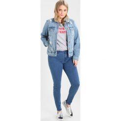 Only Carmakoma CARRAINY PUSH UP Jeans Skinny Fit medium blue denim. Niebieskie boyfriendy damskie Only Carmakoma. Za 129,00 zł.