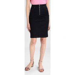 Spódniczki jeansowe: Karen Millen WITH ZIPS Spódnica ołówkowa  dark denim