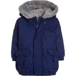 Benetton BABY Płaszcz zimowy blue. Niebieskie kurtki chłopięce zimowe marki Benetton, z bawełny. Za 179,00 zł.