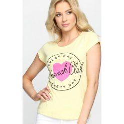 Bluzki, topy, tuniki: Żółty T-shirt Natural Woman