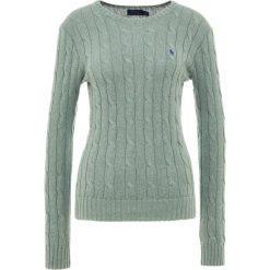 Polo Ralph Lauren JULIANNA Sweter green heat. Zielone swetry klasyczne damskie Polo Ralph Lauren, xl, z bawełny, polo. Za 589,00 zł.