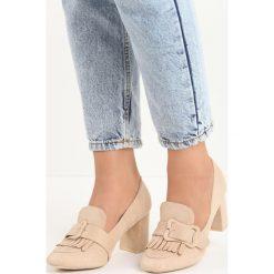 Beżowe Czółenka Merrick. Brązowe buty ślubne damskie marki Born2be, w paski, ze skóry, z okrągłym noskiem, na słupku. Za 69,99 zł.