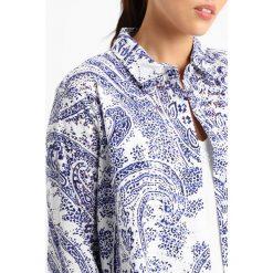 Koszule wiązane damskie: Persona by Marina Rinaldi FRAC PRINTED  Koszula white/dark blue