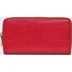 Haily's - Portfel Gianna. Czerwone portfele damskie Haily's, z materiału. W wyprzedaży za 29,90 zł.