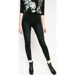 Medicine - Jeansy Rebel Forest. Czarne jeansy damskie marki MEDICINE, z bawełny, z podwyższonym stanem. W wyprzedaży za 99,90 zł.