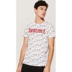 T-shirt z napisem - Biały. Białe t-shirty męskie House, l, z napisami. Za 49,99 zł.