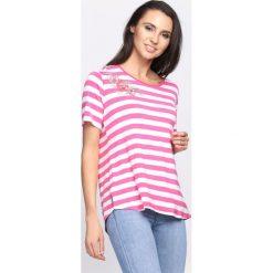 Różowy T-shirt Feds Watching. Czerwone bluzki damskie marki Born2be, l. Za 34,99 zł.