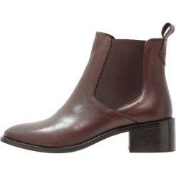 KIOMI Ankle boot brown. Brązowe botki damskie na zamek KIOMI, z materiału. Za 379,00 zł.