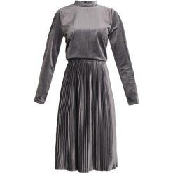 Sukienki hiszpanki: Soft Rebels TYPRE  Sukienka letnia flint stone