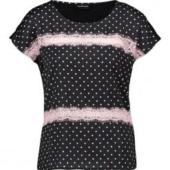 Koszulka w kolorze czarno-białym. Czarne t-shirty damskie Taifun, w koronkowe wzory, z koronki, z okrągłym kołnierzem. W wyprzedaży za 65,95 zł.