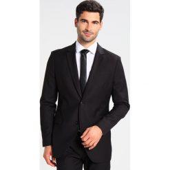 Pier One Garnitur black. Czarne garnitury marki Pier One, z materiału. Za 509,00 zł.