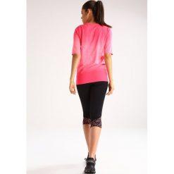 ASICS FUZEX Koszulka sportowa diva pink. Czerwone topy sportowe damskie Asics, xs, z elastanu. W wyprzedaży za 126,75 zł.