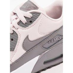 Nike Sportswear AIR MAX 90 Tenisówki i Trampki barely rose/gunsmoke/white/black. Czerwone trampki dziewczęce Nike Sportswear, z materiału. W wyprzedaży za 381,65 zł.