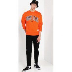 Swetry męskie: Tommy Jeans COLLEGIATE Bluza orangeade