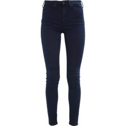 Lee SKYLER Jeans Skinny Fit blue/black. Czarne rurki damskie Lee. W wyprzedaży za 223,30 zł.