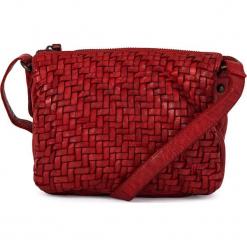 Skórzana torebka w kolorze czerwonym - 21 x 16 x 7 cm. Czerwone torebki klasyczne damskie neropantera, w paski, z materiału. W wyprzedaży za 272,95 zł.