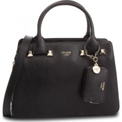 Torebka GUESS - HWUG68 61060 BLACK. Czarne torebki klasyczne damskie Guess, z aplikacjami, ze skóry ekologicznej. Za 679,00 zł.