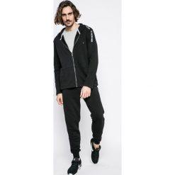 Guess Jeans - Spodnie. Szare jeansy męskie z dziurami Guess Jeans. Za 259,90 zł.