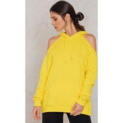 Bluzy rozpinane damskie: NA-KD Urban Bluza z kapturem i wycięciami na ramionach - Yellow