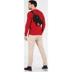 Calvin Klein Jeans SPORT ESSENTIAL SLING M Torba na ramię black. Czarne torby na ramię męskie Calvin Klein Jeans, z jeansu. Za 299,00 zł.
