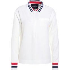 DESIGNERS REMIX DAWN Koszulka polo cream. Białe bluzki asymetryczne DESIGNERS REMIX, z elastanu, polo. Za 839,00 zł.