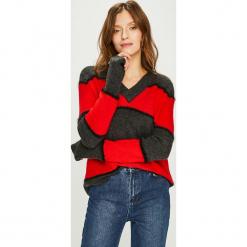 Jacqueline de Yong - Sweter Rascal. Czarne swetry oversize damskie Jacqueline de Yong, l, z dzianiny. Za 99,90 zł.
