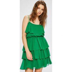 Trendyol - Sukienka. Szare sukienki mini marki Trendyol, na co dzień, z elastanu, casualowe, dopasowane. W wyprzedaży za 99,90 zł.