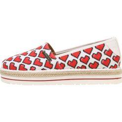 Love Moschino HEART  Espadryle white. Szare espadryle damskie marki Love Moschino, z materiału. W wyprzedaży za 351,75 zł.