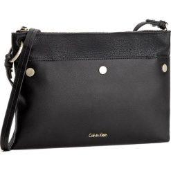 Torebka CALVIN KLEIN BLACK LABEL - LE4 Medium Crossover K60K603561  001. Czarne listonoszki damskie marki Calvin Klein Black Label, z materiału. W wyprzedaży za 349,00 zł.