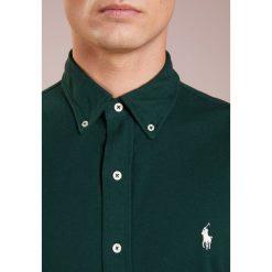 Polo Ralph Lauren FEATHERWEIGHT  Koszula college green. Szare koszule męskie marki Polo Ralph Lauren, l, z bawełny, button down, z długim rękawem. Za 459,00 zł.