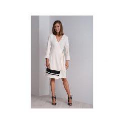 Kremowa sukienka kopertowa – sukienka wizytowa CALA. Brązowe sukienki asymetryczne Duhla agnieszka barańska, z poliesteru, wizytowe, z asymetrycznym kołnierzem, midi. Za 340,00 zł.
