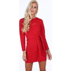 Sukienka wiązana w talii czerwona 1835. Czerwone sukienki marki Fasardi, l. Za 99,00 zł.