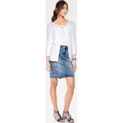 Odzież damska: Sweter rozpinany w kolorze białym
