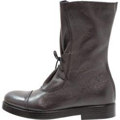 Lilimill Kozaki sznurowane alce pirit. Szare buty zimowe damskie lilimill, z materiału. W wyprzedaży za 294,50 zł.