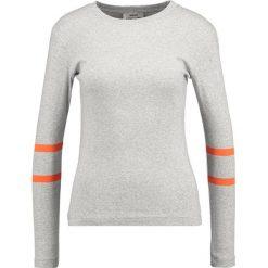 Bluzki asymetryczne: Mads Nørgaard TUBA Bluzka z długim rękawem grey/orange